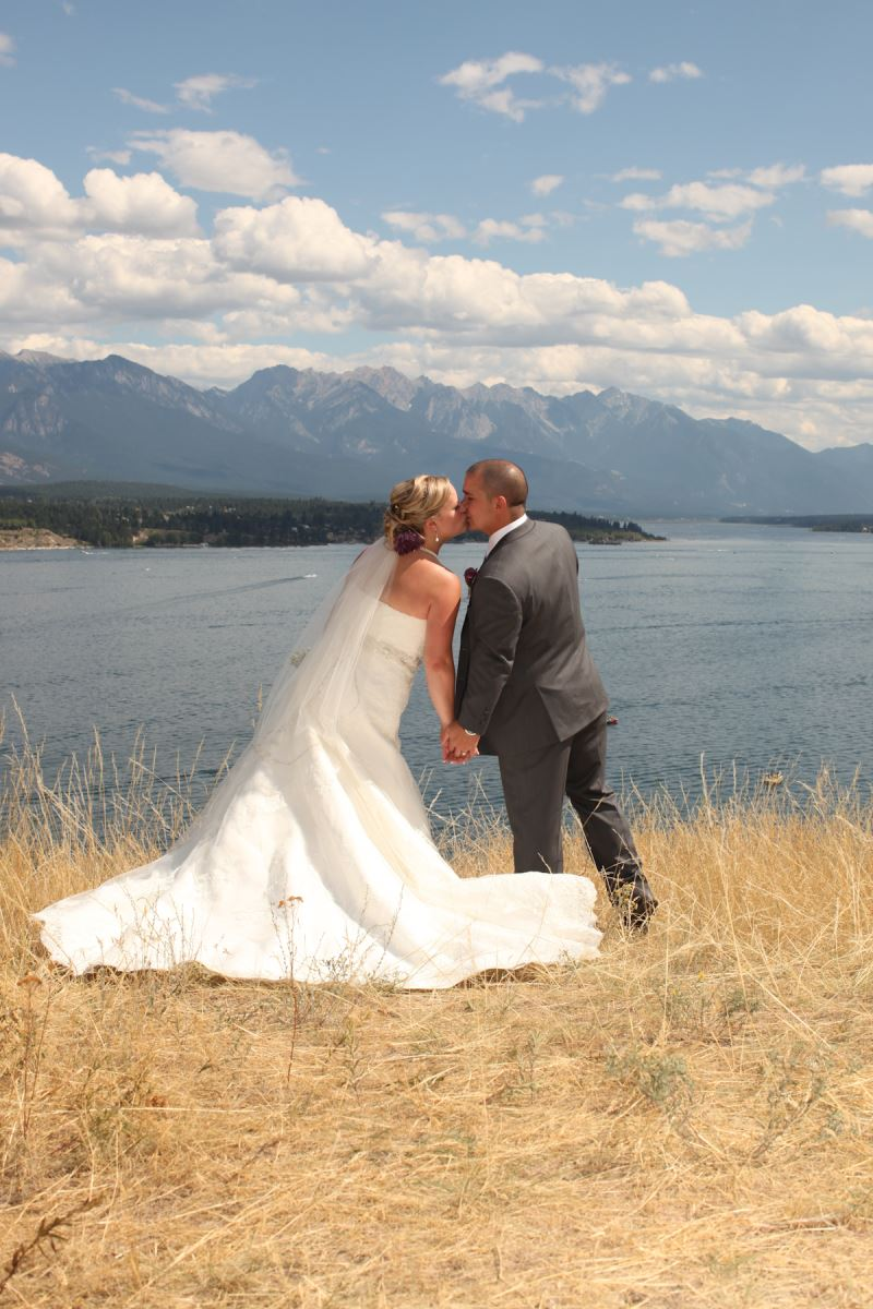 Stephanie 39 s wedding gown preservation in alberta canada for Where to get wedding dress cleaned and preserved