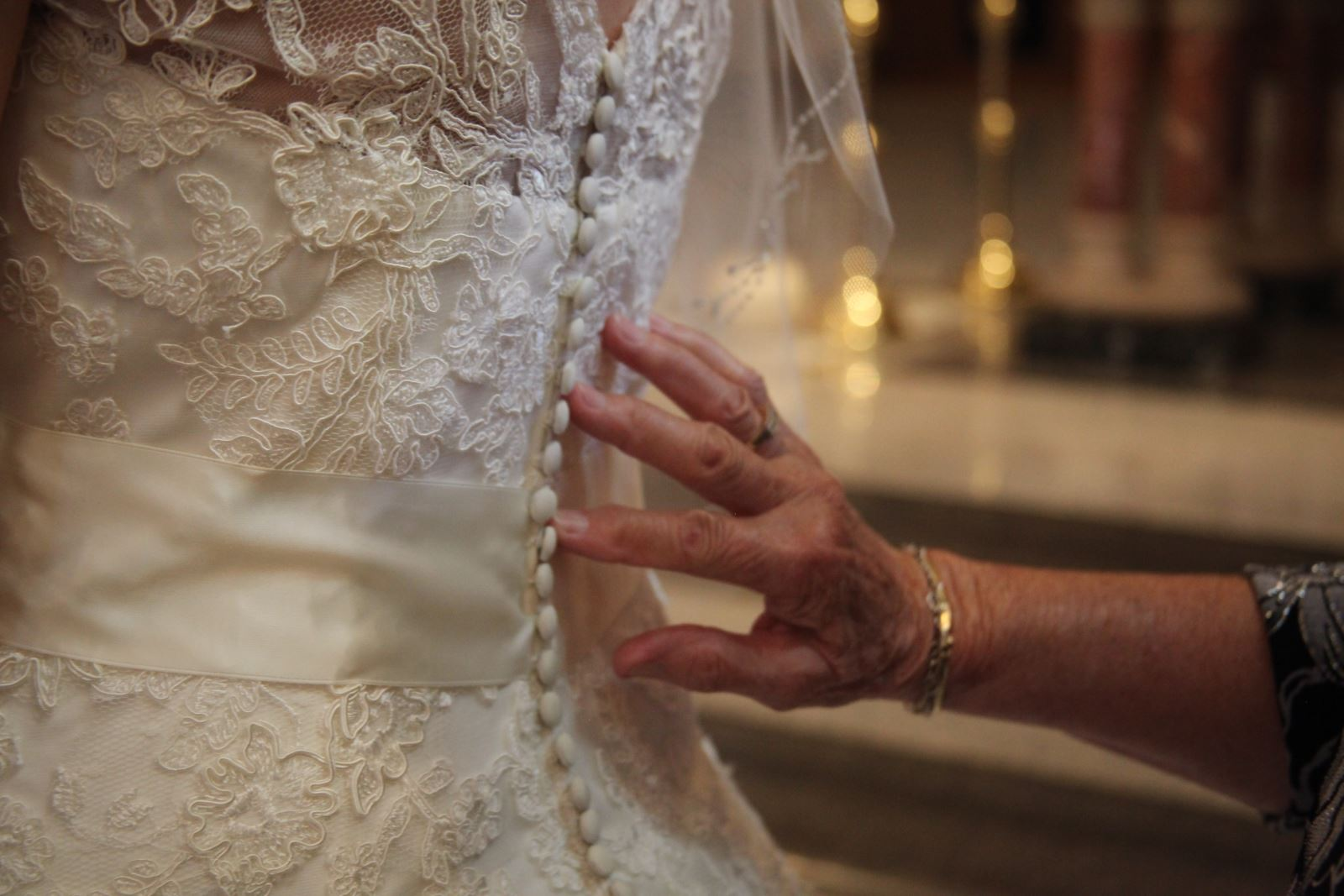 Ashleigh S Wedding Dress Cleaning In Ohio Wedding Gown Specialists