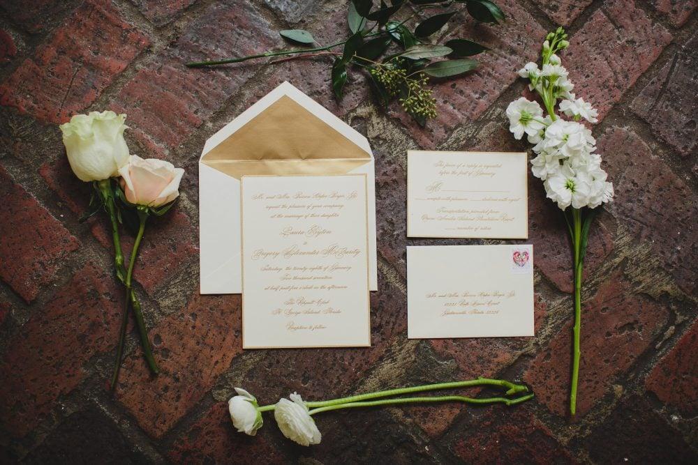 Real bride Laura's wedding decor.